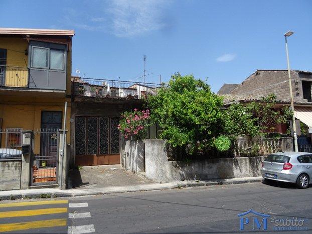 Cod. Pm 054 Belpasso centro: Casa singola 170 mq Belpasso